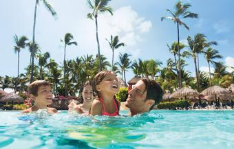 <strong>Kids stay and eat FREE + Exclusive to CWT - $100 to spend towards your vacation</strong>